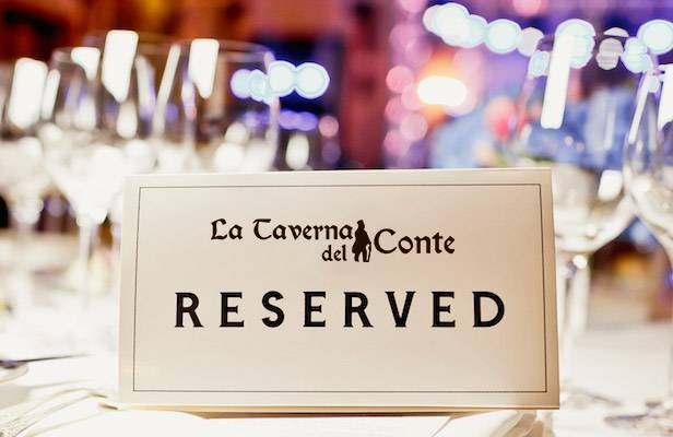 RIserva un tavolo all Taverna del Conte